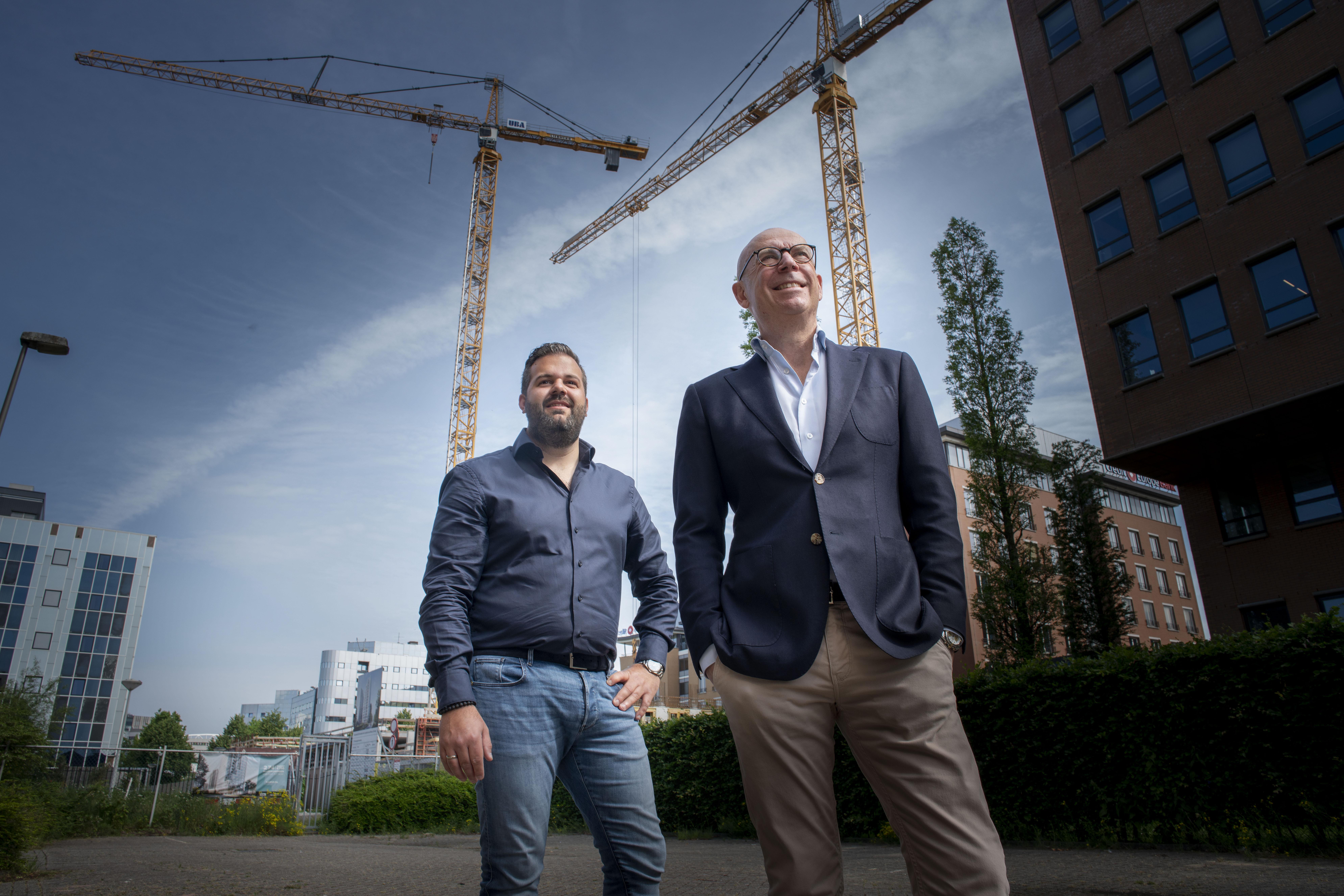 Bob Mols & Wisse Stenchlak van HEYDAY in VG Visie: 'Tevredenheid leidt tot rendement'