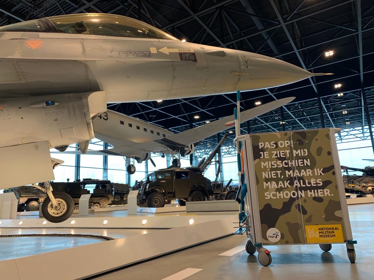 Hago's militaire schoonmaak-operatie met Triple-T bij Nationaal Militair Museum